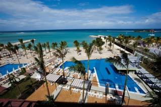 The best way to book private transfer to and from Hotel Riu Palace Jamaica online 24 hours daily.