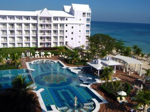 Airport Transfer To Club Hotel Riu Ocho Rios